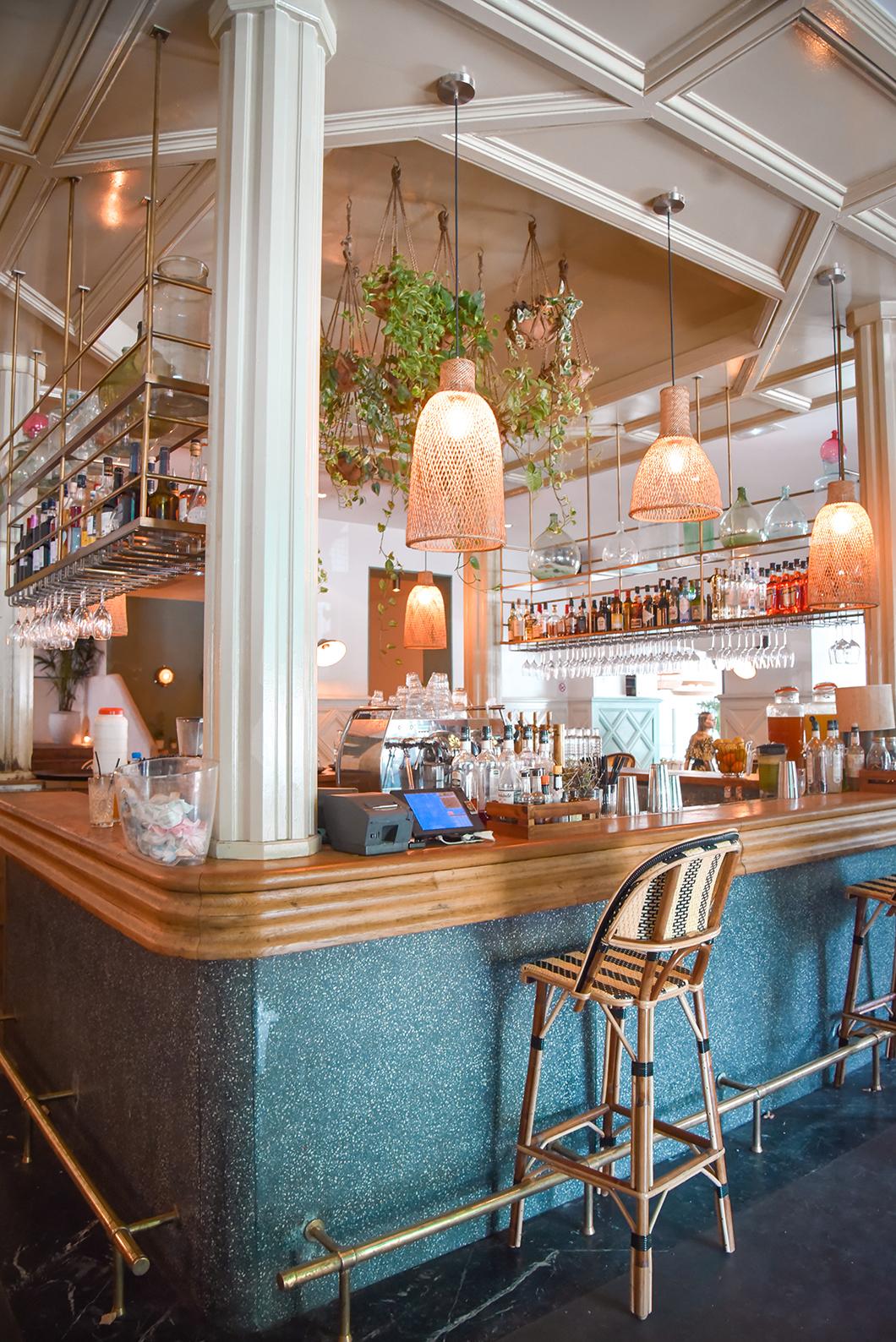 Le bar de la Brasserie Auteuil à Paris 16eme