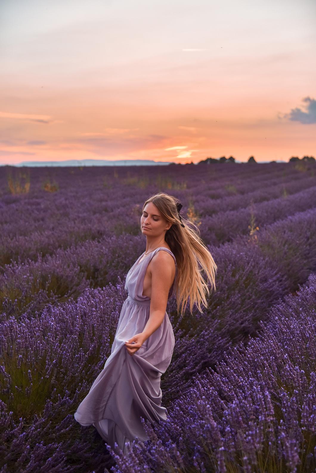 Où admirer le coucher de soleil à Valensole ?