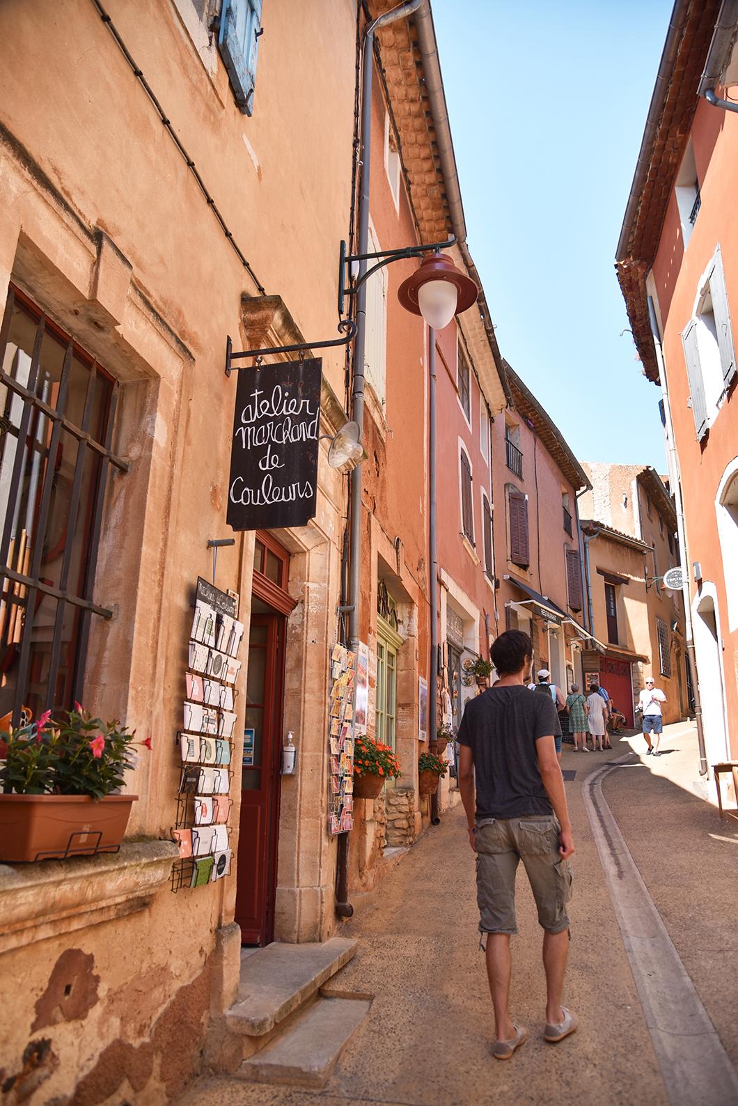 Que faire dans le Luberon ? Contempler les ruelles de Roussillon