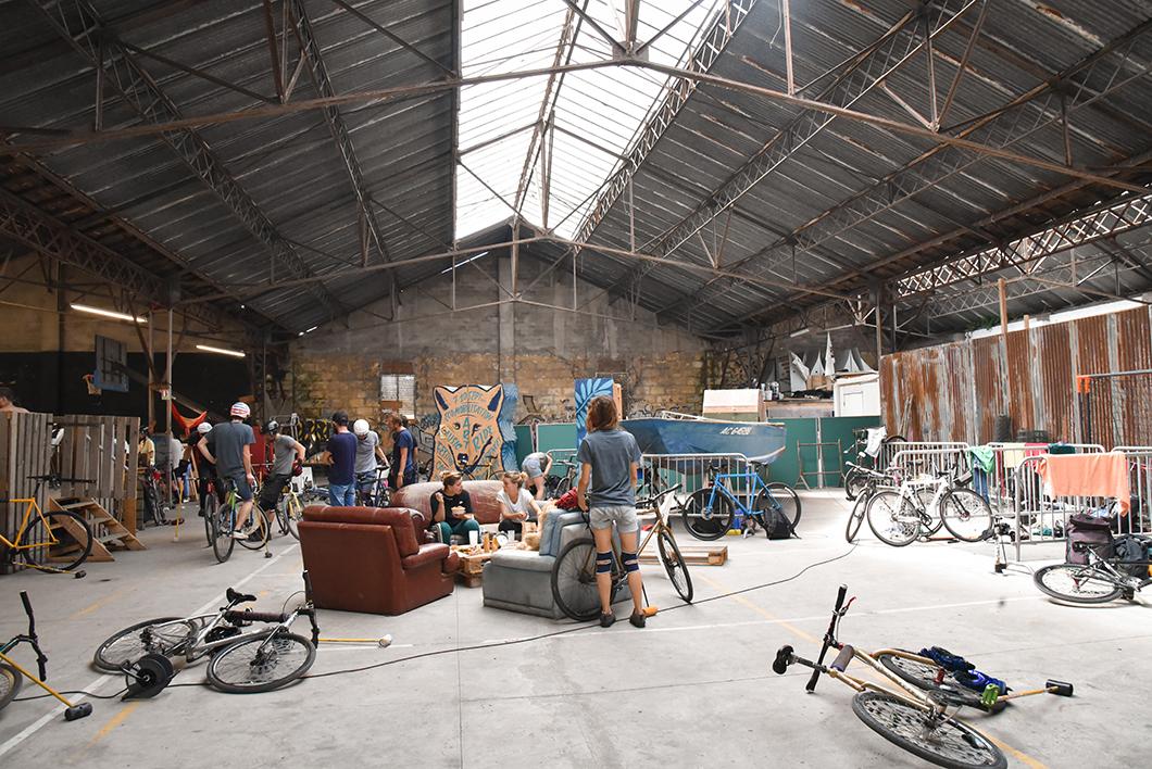 Le hangar du Darwin Eco Système