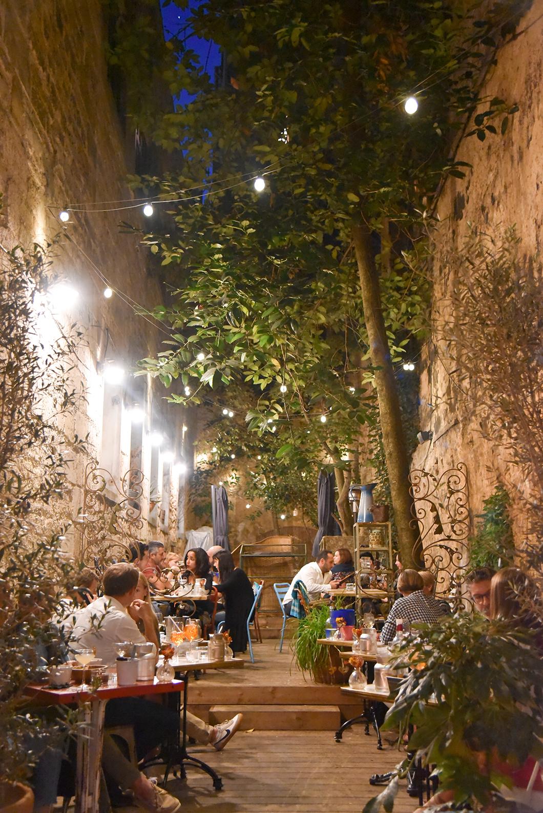 Où aller boire un verre à Bordeaux ? Frida bar à vin, cocktail et tapas