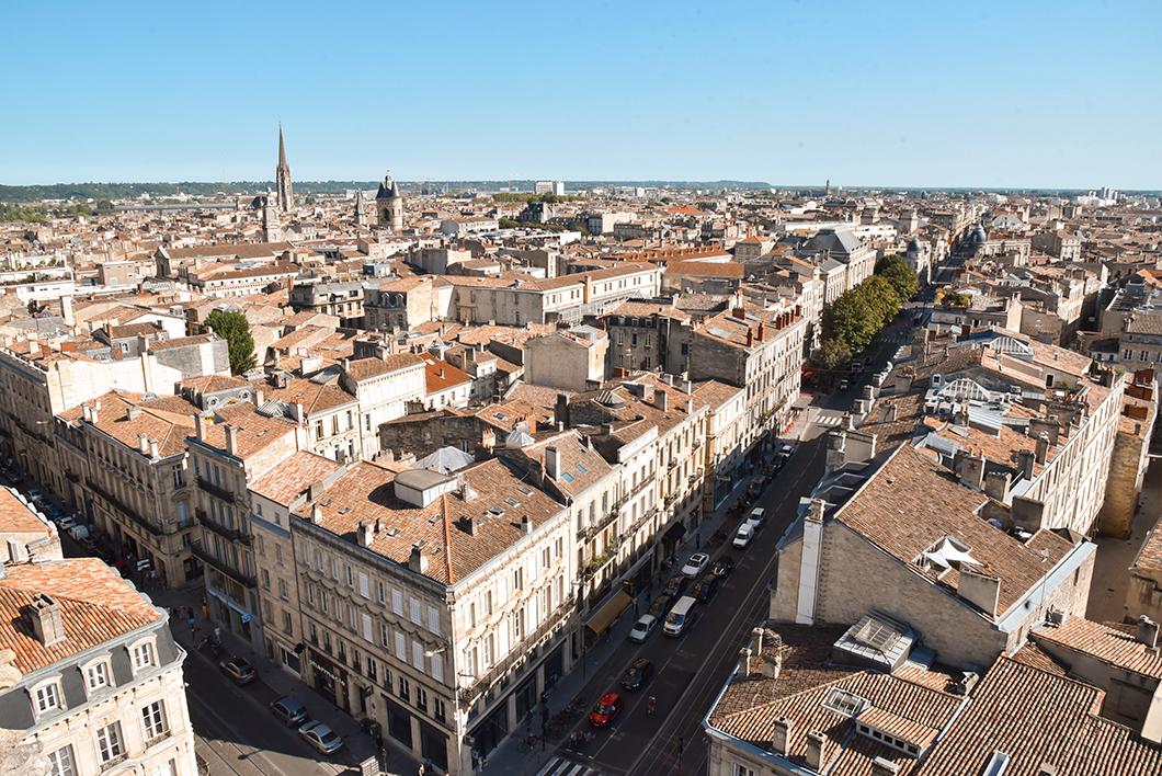 Vue panoramique sur la Bordeaux depuis la Tour Pey Berland