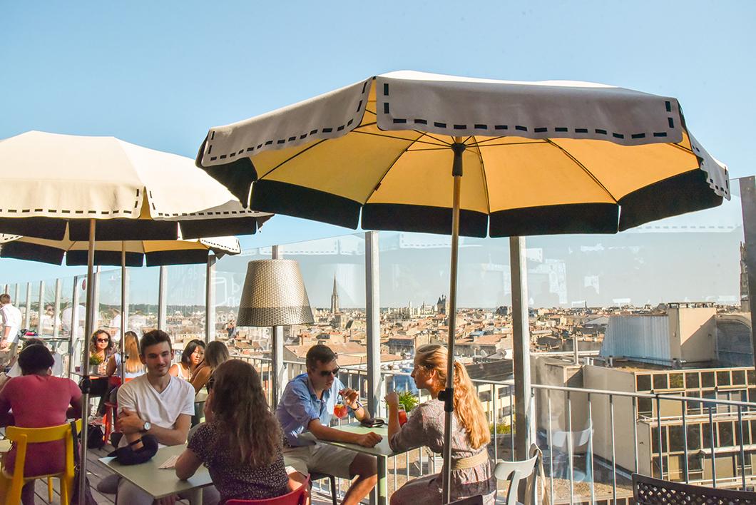 Où sortir à Bordeaux ? Le rooftop du Mama Shelter