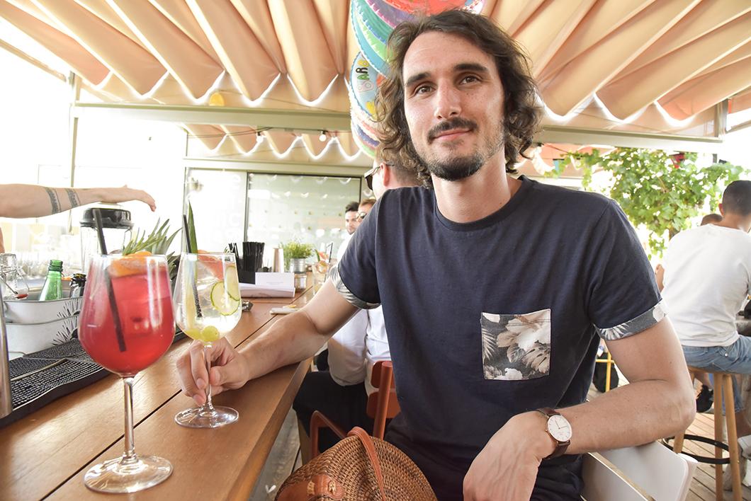 Boire un cocktail sur le rooftop du Mama Shelter à Bordeaux