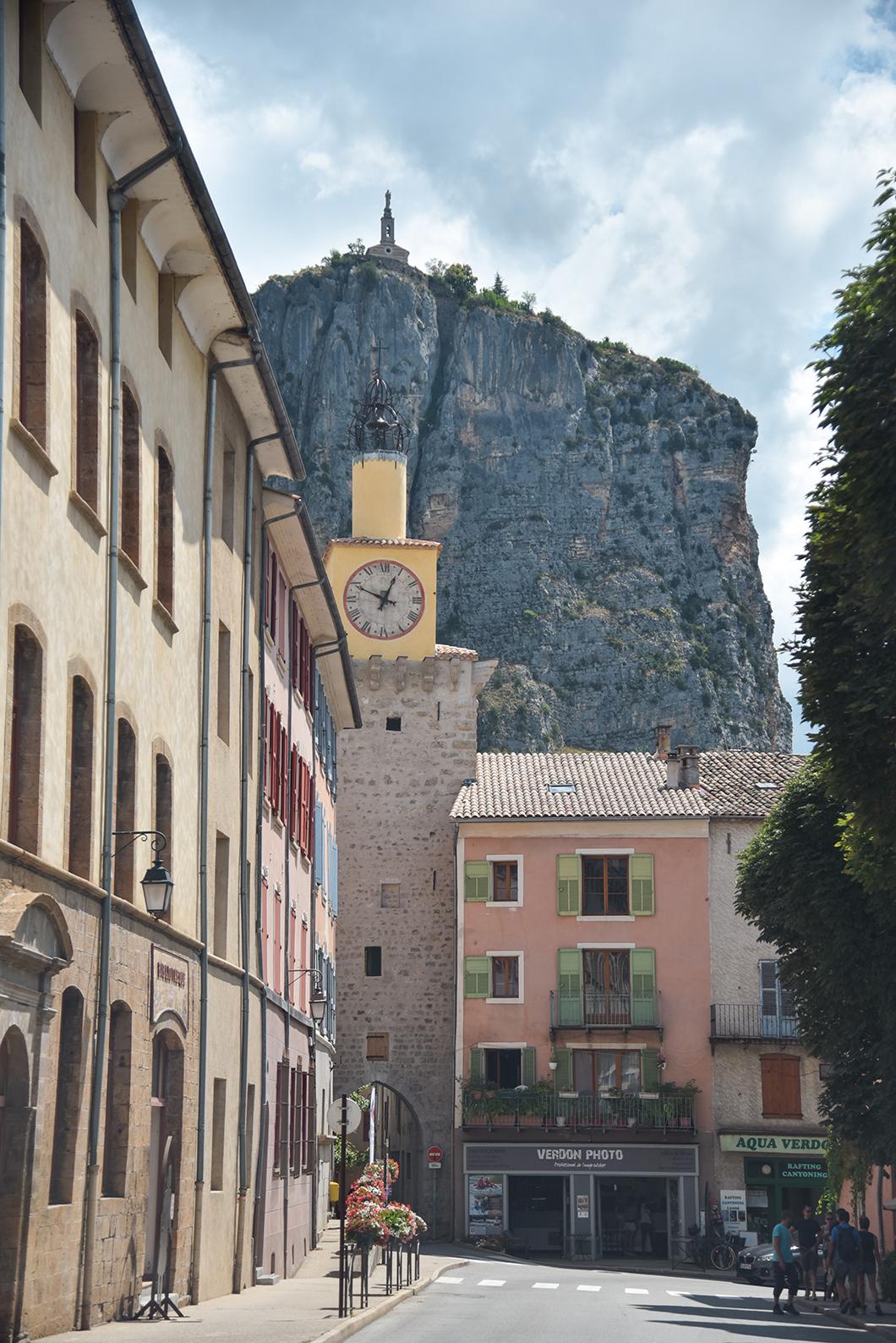 Flâner dans les rues de Castellane, incontournables à visiter dans les Gorges du Verdon