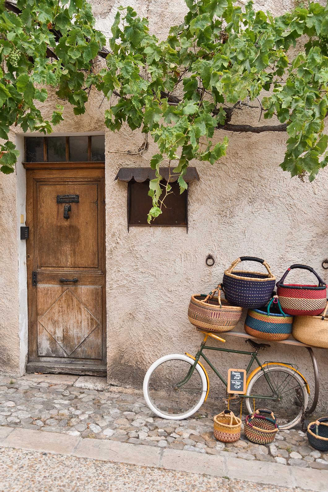 Moustiers-Sainte-Marie, l'un des plus beaux village des Gorges du Verdon
