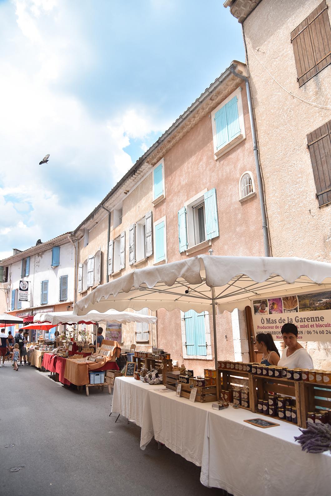 Faire les marchés provençaux dans les Gorges du Verdon