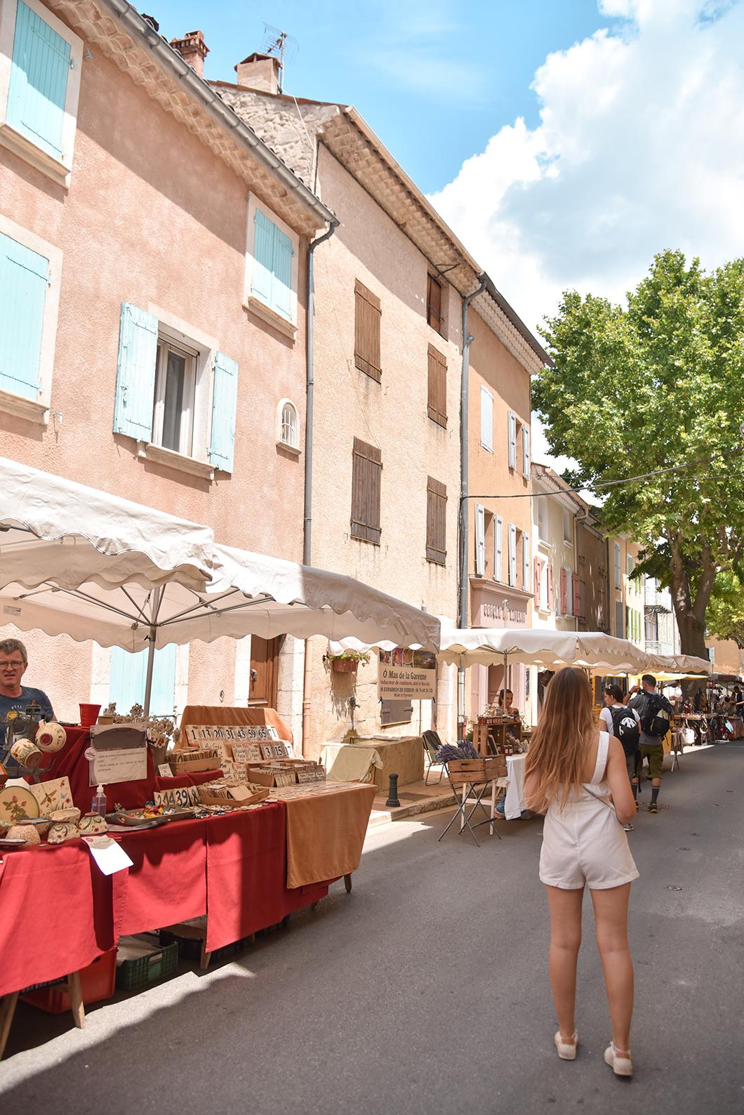Découvrir les marchés provençaux, incontournable à visiter dans les Gorges du Verdon