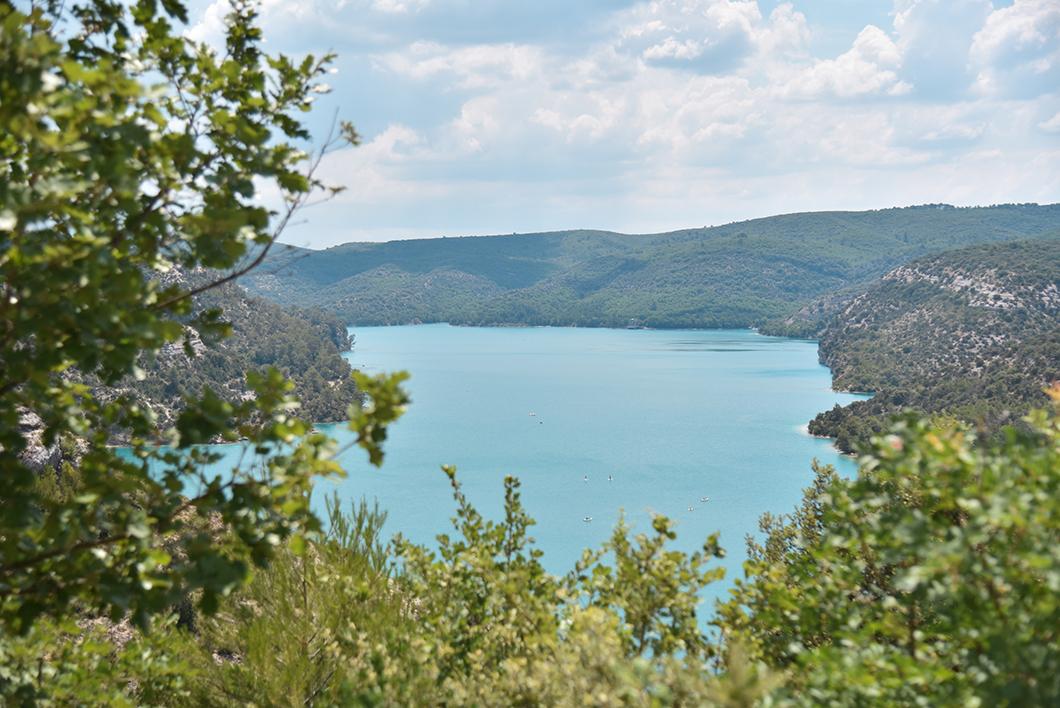 Point de vue sur le lac d'Esparron