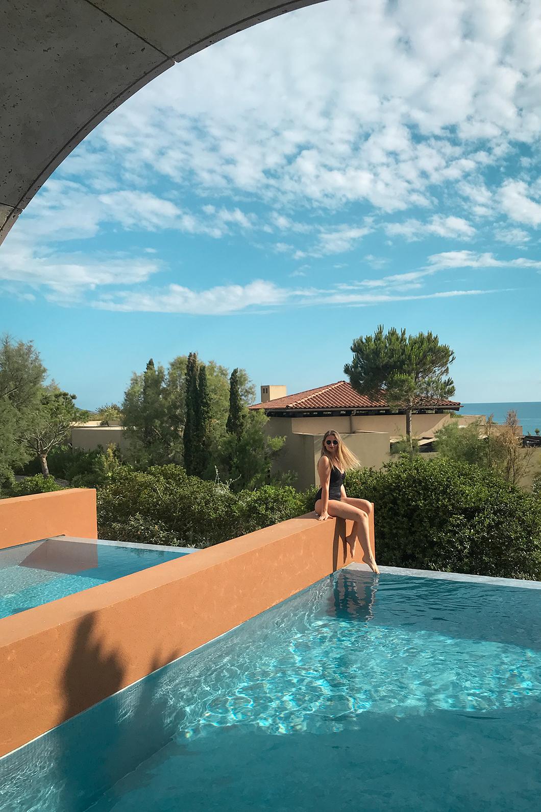 Où loger sur la Costa Navarino en Grèce ? The Romanos