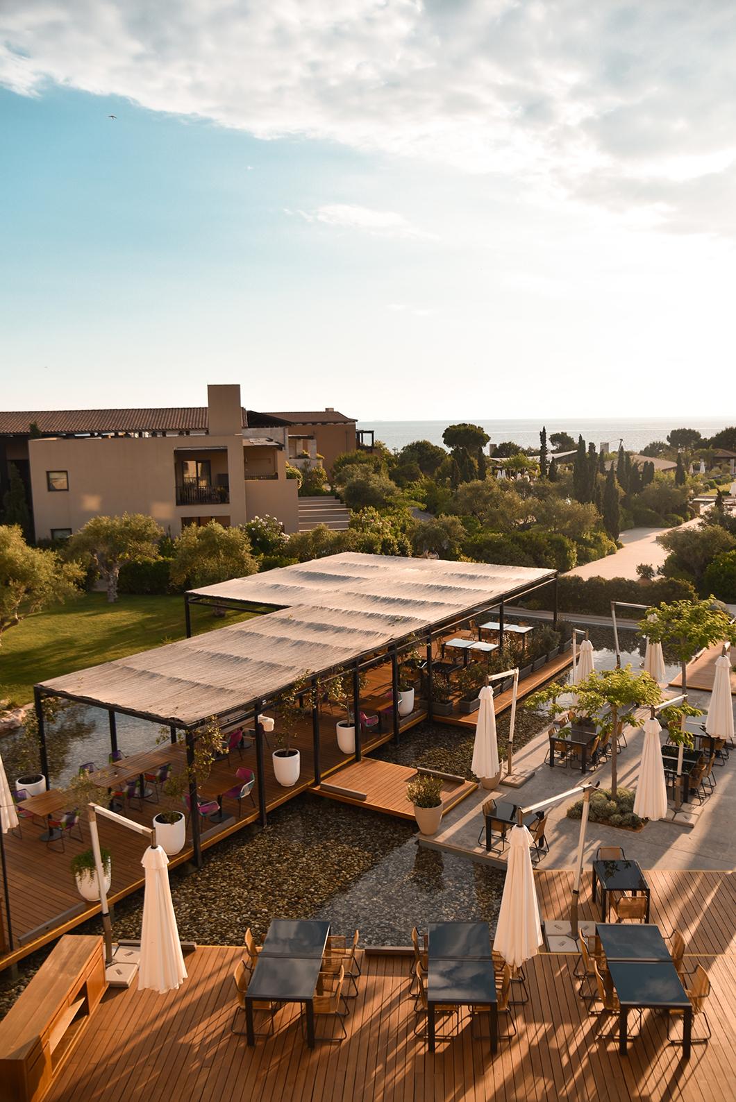 Où dormir sur la Costa Navarino en Grèce ? The Romanos