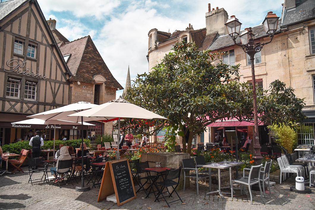 Que visiter à Caen ? La rue de Vaugueux